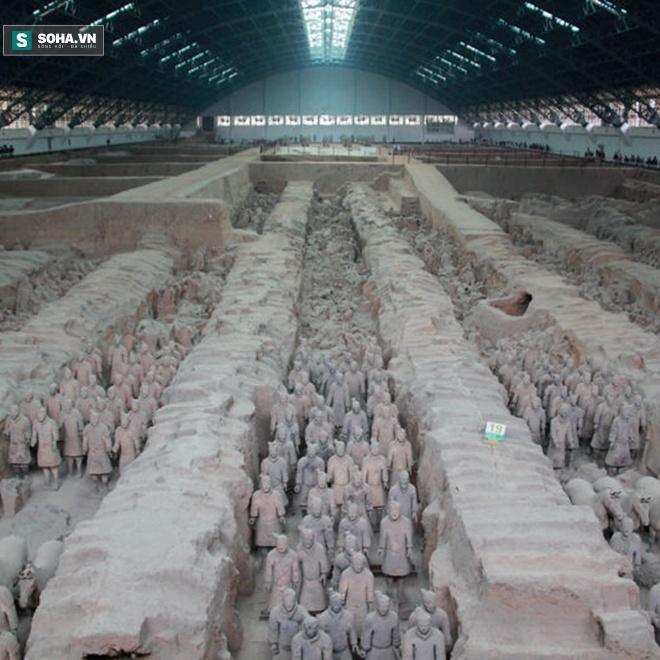 Tại sao đội quân đất nung trở thành phát hiện khảo cổ tranh cãi nhất hiện nay? - Ảnh 2.