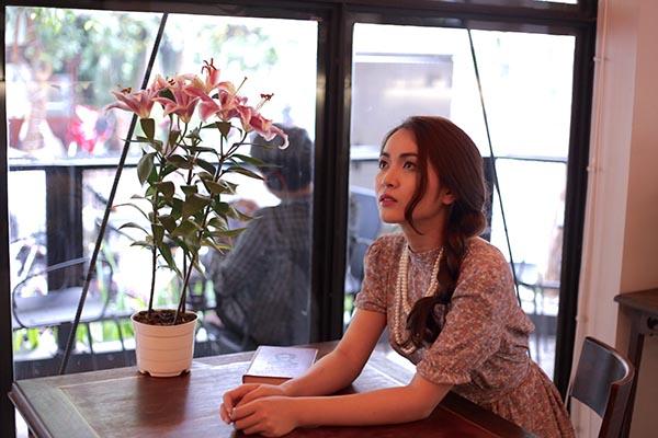 Nhan sắc xinh đẹp của hot girl chuyên hát bè cho Mr Đàm - Ảnh 4.
