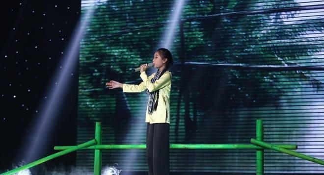 Đông Nhi ôm mặt khóc khi phải làm điều này ở The Voice Kids - Ảnh 12.