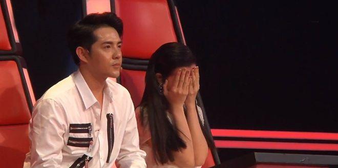 Đông Nhi ôm mặt khóc khi phải làm điều này ở The Voice Kids - Ảnh 13.