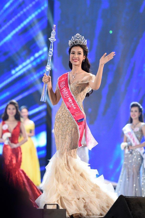 Hoa hậu Đỗ Mỹ Linh và điều dở trong cách ăn mặc - ảnh 3