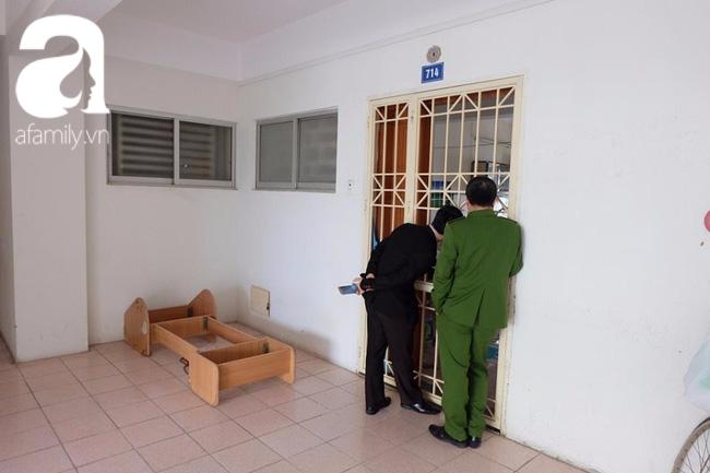 Cha của bé gái 11 tuổi bị mẹ nhốt trong nhà nhiều năm: Tôi muốn gặp con cũng chỉ được nhìn qua khe cửa... - Ảnh 2.