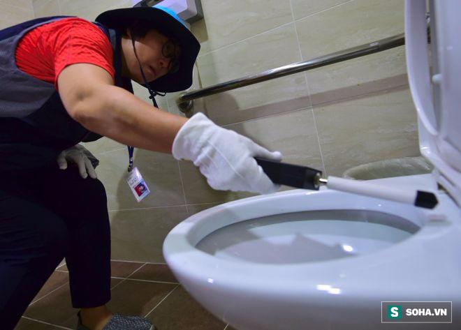 Chỉ vì 1 thứ này, nhà vệ sinh nữ tại Hàn Quốc vô tình trở thành nơi đầy ám ảnh - Ảnh 1.