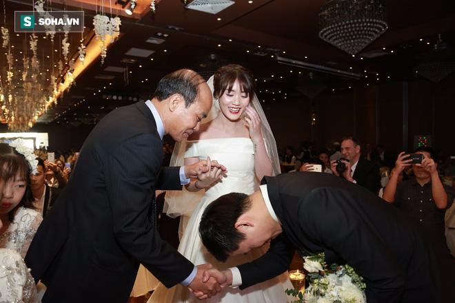 Nhan sắc lộng lẫy của vợ MC Hãy chọn giá đúng trong ngày rước dâu - Ảnh 5.