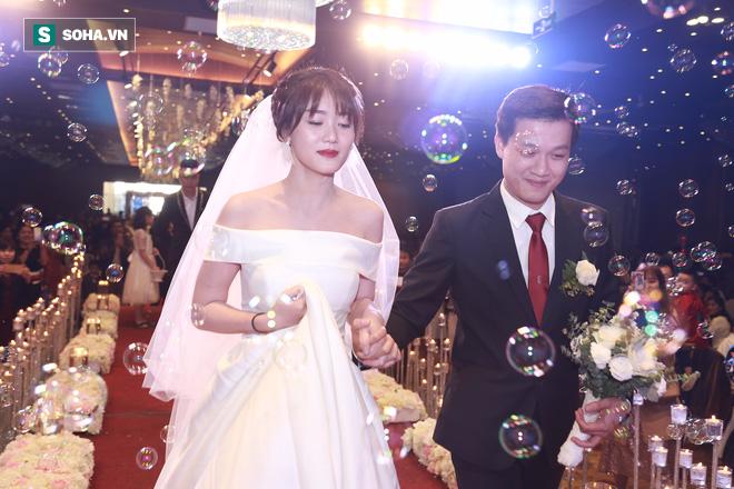 Nhan sắc lộng lẫy của vợ MC Hãy chọn giá đúng trong ngày rước dâu - Ảnh 6.