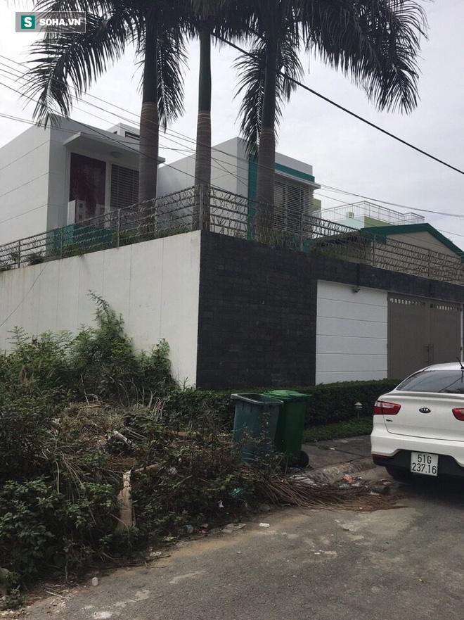 Nhiều dân chơi phê ma túy trong 2 căn biệt thự vùng ven Sài Gòn - Ảnh 1.