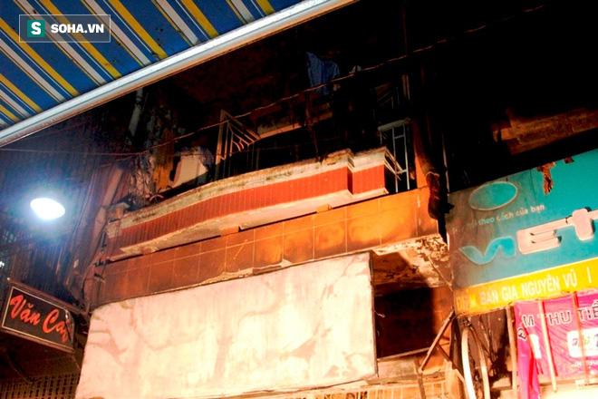 Cháy kinh hoàng ở Sài Gòn, 6 người trong gia đình tử vong, 4 bị thương - Ảnh 1.