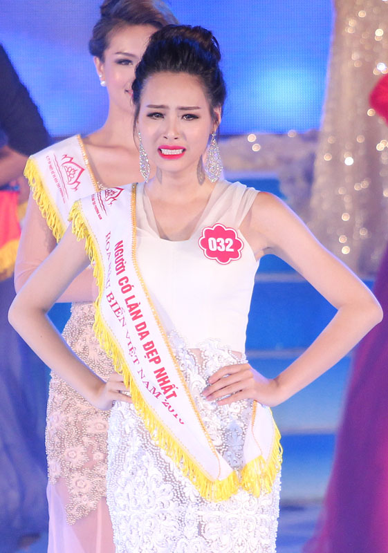 Hoa hậu Biển bị chê xấu hoàn toàn lột xác sau 5 tháng đăng quang - Ảnh 1.
