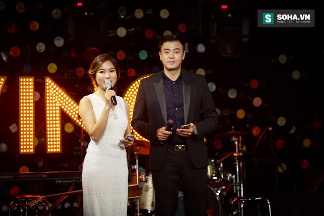 Quá 12h đêm, Quang Linh và hàng chục nghệ sĩ vẫn miệt mài hát vì miền Trung - Ảnh 4.