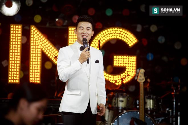 Quá 12h đêm, Quang Linh và hàng chục nghệ sĩ vẫn miệt mài hát vì miền Trung - Ảnh 17.