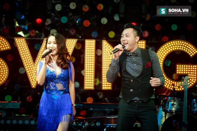 Quá 12h đêm, Quang Linh và hàng chục nghệ sĩ vẫn miệt mài hát vì miền Trung - Ảnh 19.