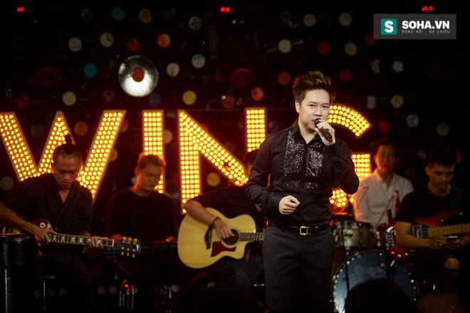 Quá 12h đêm, Quang Linh và hàng chục nghệ sĩ vẫn miệt mài hát vì miền Trung - Ảnh 22.
