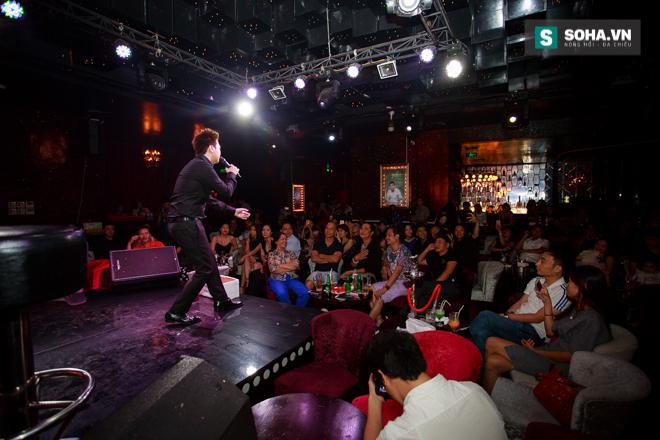 Quá 12h đêm, Quang Linh và hàng chục nghệ sĩ vẫn miệt mài hát vì miền Trung - Ảnh 23.