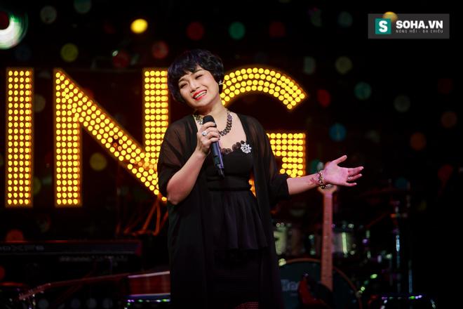 Quá 12h đêm, Quang Linh và hàng chục nghệ sĩ vẫn miệt mài hát vì miền Trung - Ảnh 26.