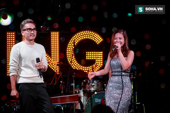 Quá 12h đêm, Quang Linh và hàng chục nghệ sĩ vẫn miệt mài hát vì miền Trung - Ảnh 29.