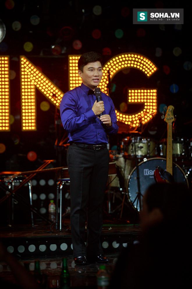 Quá 12h đêm, Quang Linh và hàng chục nghệ sĩ vẫn miệt mài hát vì miền Trung - Ảnh 30.