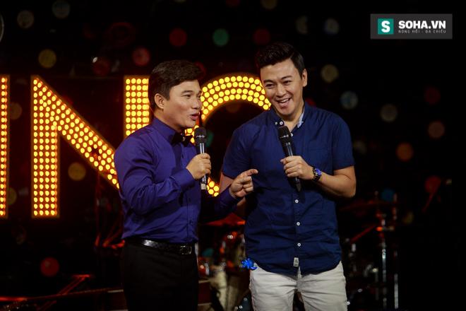 Quá 12h đêm, Quang Linh và hàng chục nghệ sĩ vẫn miệt mài hát vì miền Trung - Ảnh 32.