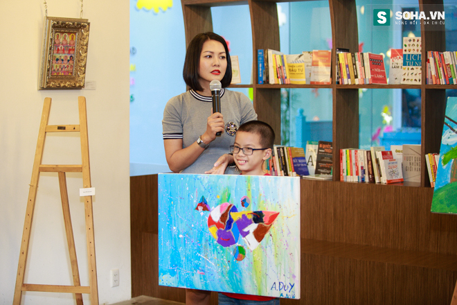 Diễn viên Hoàng Xuân mua tranh ủng hộ quỹ Thiện Nhân - Ảnh 5.