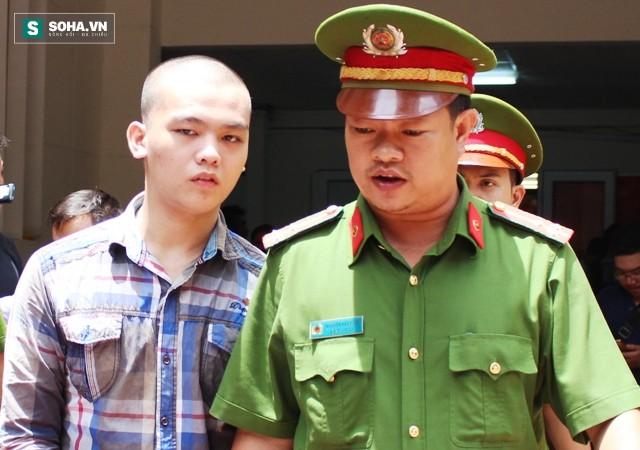 Miễn trách nhiệm hình sự cho 2 bị cáo vụ cướp bánh mì vì đói ở Sài Gòn - Ảnh 2.
