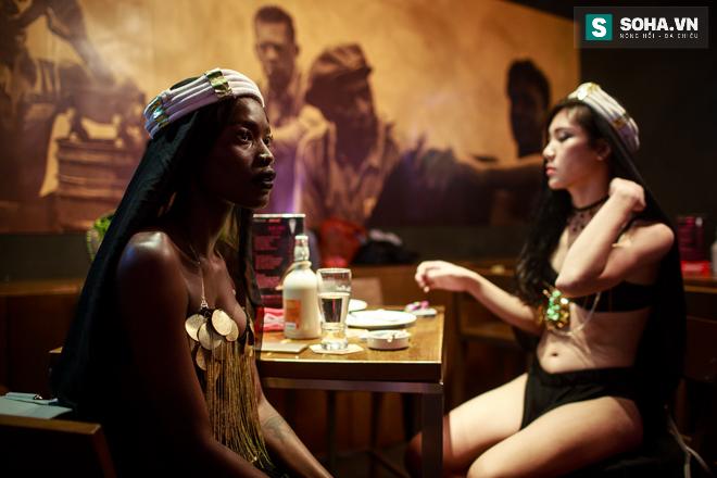 Cuộc sống mưu sinh của người mẫu Châu Phi tại Việt Nam - Ảnh 13.