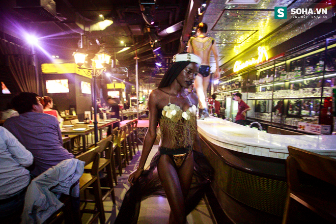 Cuộc sống mưu sinh của người mẫu Châu Phi tại Việt Nam - Ảnh 18.