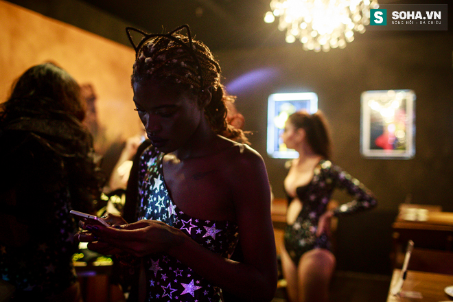 Cuộc sống mưu sinh của người mẫu Châu Phi tại Việt Nam - Ảnh 22.