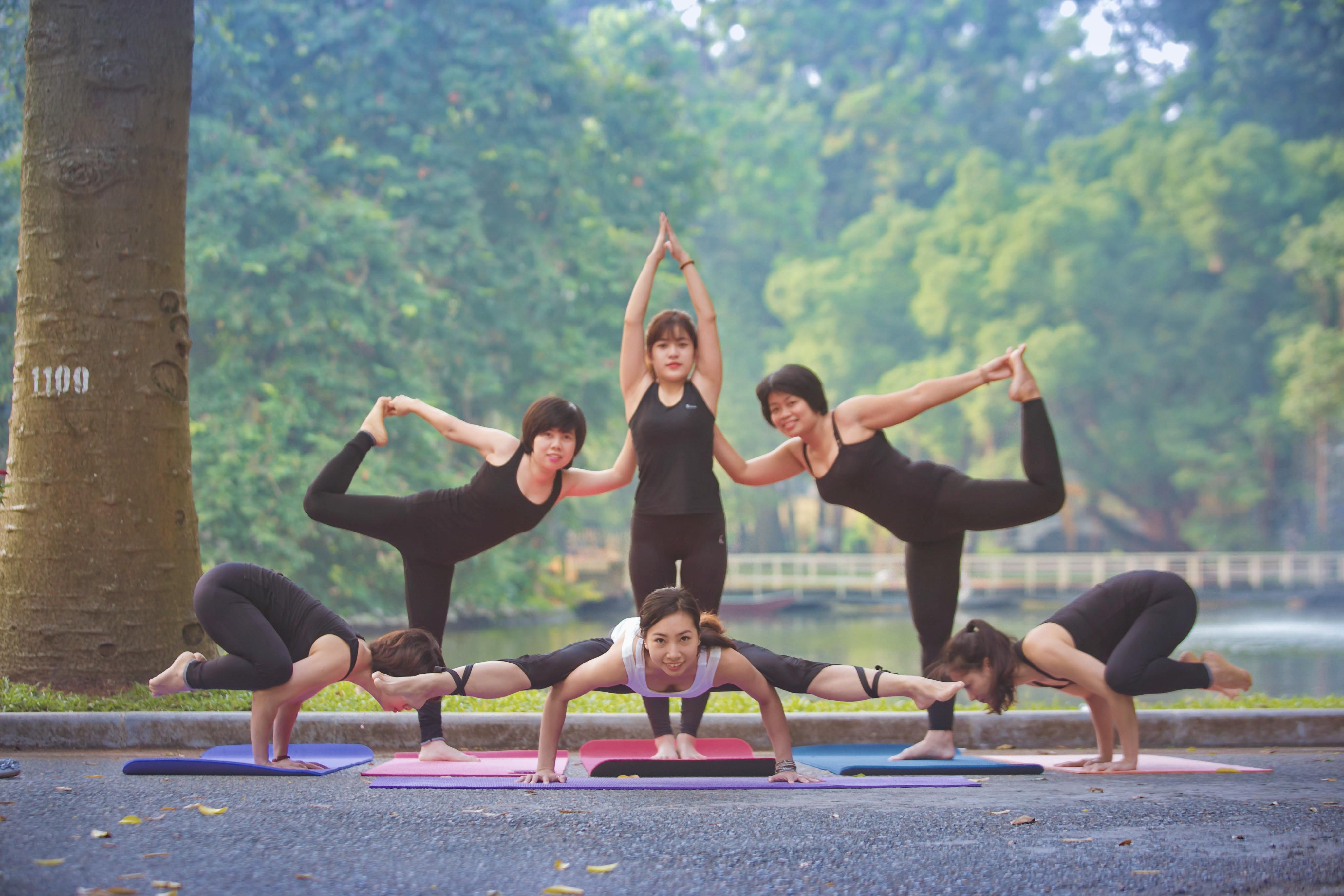 """""""Cô gái Vàng"""" của Yoga Việt Nam hướng dẫn 3 bài tập đơn giản, tự chữa bệnh cho mọi người - Ảnh 11."""