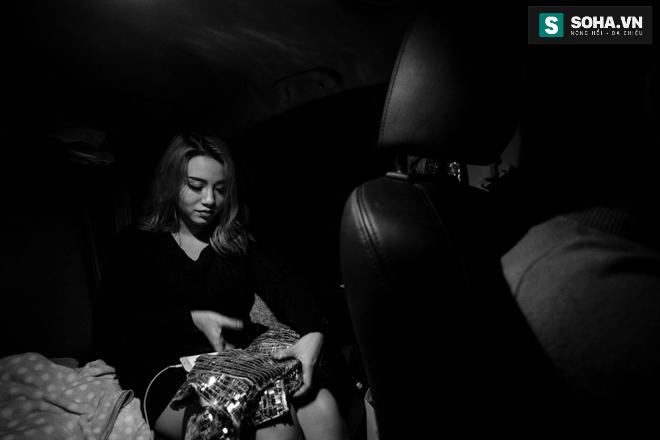 Thay đồ trên ô tô và cuộc sống sau 12h đêm của hot girl nóng bỏng Linh Miu - Ảnh 21.