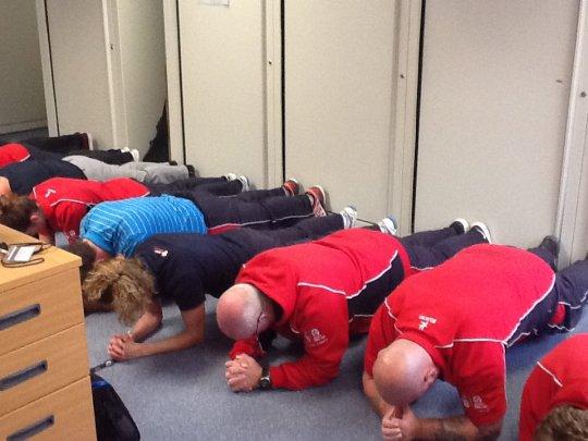 Bí mật về Plank, bài tập đang sôi sục từ phòng gym tới công sở - Ảnh 14.