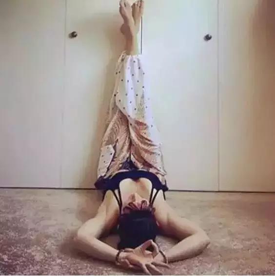 Dựa chân vào tường: Bài tập thể dục đang tạo sóng khắp thế giới - Ảnh 6.