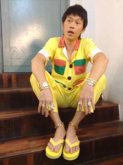 Chán giản dị, danh hài Hoài Linh bất ngờ khoe vàng - Ảnh 2.