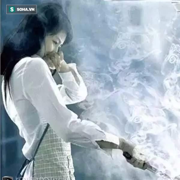 Khói thuốc là nguyên nhân chính gây ung thư phổi ở phụ nữ - Ảnh 3.