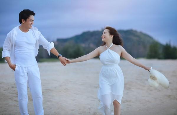 Ảnh cưới lãng mạn của diễn viên Cao Minh Đạt - Ảnh 1.