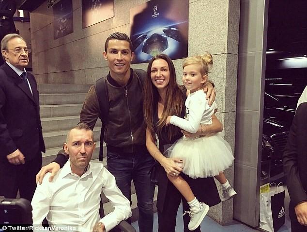 Nghĩa cử của Ronaldo với đồng nghiệp mắc bệnh hiểm nghèo - ảnh 2