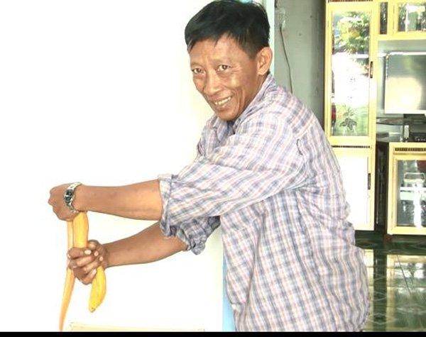 Cận cảnh con lươn vàng có giá chục triệu gây bão mạng xã hội Việt - Ảnh 6.