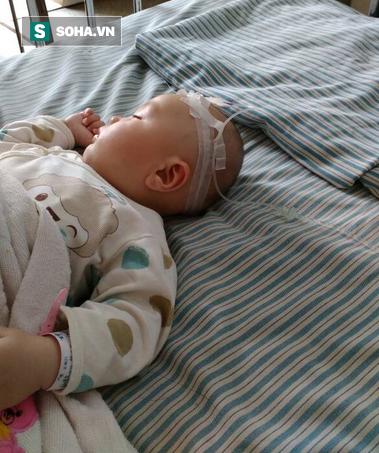 Bé trai 1 tuổi gặp nguy kịch vì mẹ tự chữa táo bón quen thuộc tại nhà - Ảnh 1.