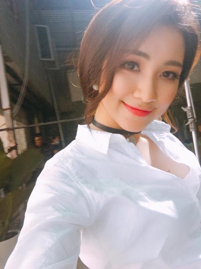 Đáp trả tin đồn PTTM, Hòa Minzy tung ảnh chứng minh vòng 1 đẹp tự nhiên từ năm 16 - Ảnh 2.