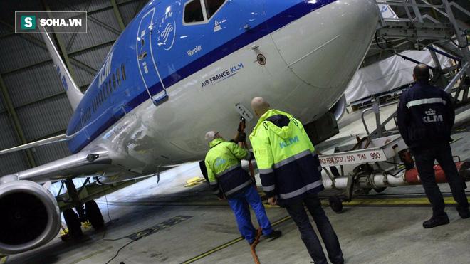 Có lẽ chẳng ai biết: Làm thế nào để cân 1 chiếc máy bay? - Ảnh 1.