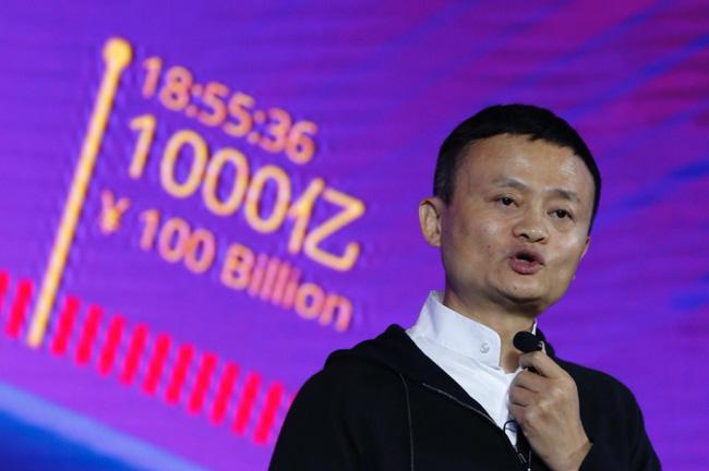 Sự thật phía sau câu chuyện cậu bé nghèo đổi đời vì có gương mặt giống hệt tỷ phú Jack Ma - Ảnh 2.