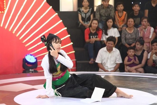 Cô gái dân tộc Mường khiến Trấn Thành, Trường Giang mê mệt - Ảnh 2.
