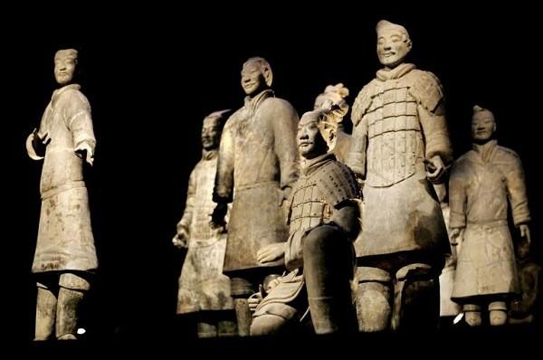 Tại sao đội quân đất nung trở thành phát hiện khảo cổ tranh cãi nhất hiện nay? - Ảnh 3.