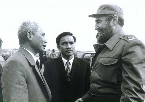 "Nghe ""con nuôi Fidel"" kể chuyện - Ảnh 1."