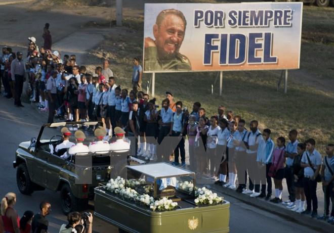 Hình ảnh lễ an táng tro cốt của lãnh tụ Cuba Fidel Castro Ruz  - Ảnh 1.