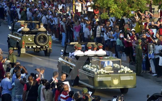 Hình ảnh lễ an táng tro cốt của lãnh tụ Cuba Fidel Castro Ruz  - Ảnh 2.