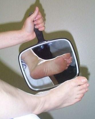 Căn bệnh khiến 150 nghìn người bị cắt cụt chân mỗi năm: Ai cũng cần biết để phòng tránh - Ảnh 3.