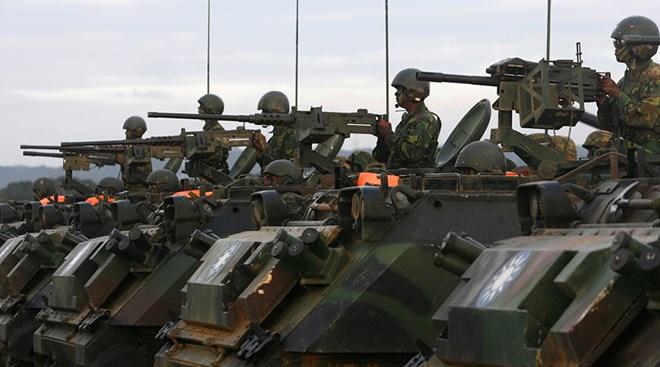 Thời báo Hoàn Cầu: Trung Quốc cần sẵn sàng sáp nhập Đài Loan bằng vũ lực - Ảnh 1.