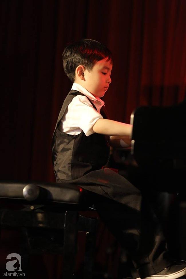 Thần đồng 5 tuổi gốc Việt khiến cả nước Mỹ thán phục đã được dạy dỗ như thế nào? - Ảnh 8.