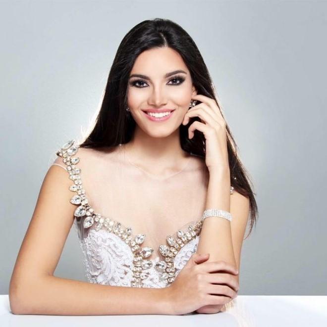 Cận cảnh nhan sắc của cô gái vừa đăng quang Hoa hậu Thế giới 2016 - Ảnh 11.