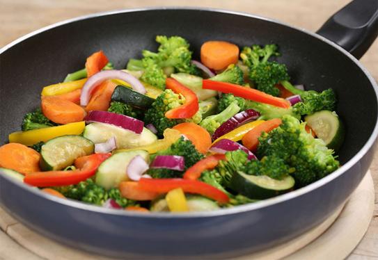 Tích cực ăn 8 thực phẩm này để ngăn ngừa ung thư đại tràng - Ảnh 1.