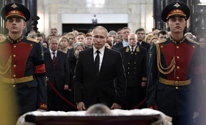 [Photo] Tổng thống Putin và lãnh đạo Nga tiễn biệt Đại sứ Karlov - Ảnh 1.